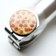 *DELUXE CYCLES* stem top cap (pizza)