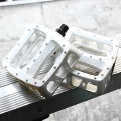 *ODYSSEY* twisted pc pedal (white)