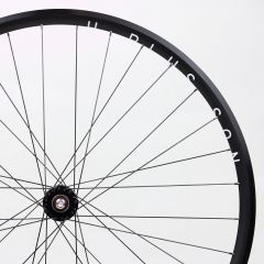*PHILWOOD×H PLUS SON* archetype track wheel (black)